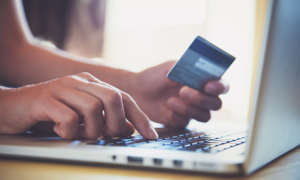 Companies struggle to hire e-commerce staff: report