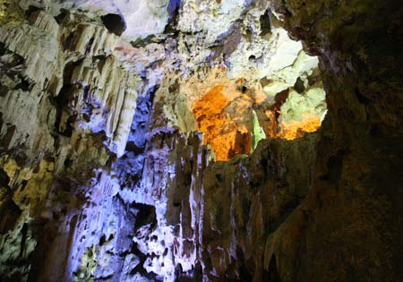 ha-long-bays-biggest-cave-to-be-renovated-2