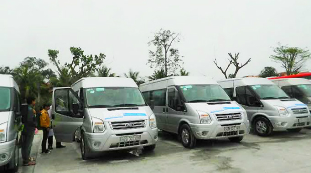 hoi-an-tests-mini-bus-transport-system
