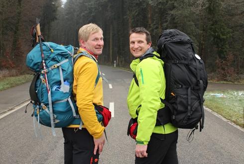 pair-walk-7-000-km-to-raise-funds-for-vietnamese-children