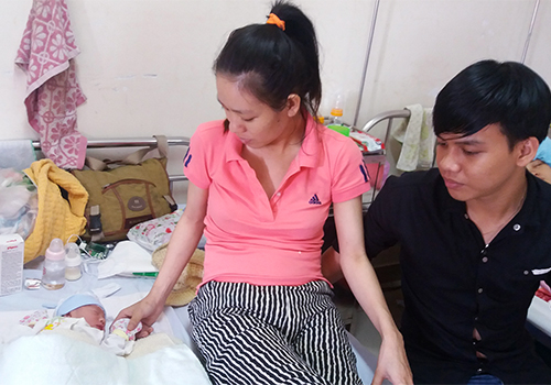 woman-gives-birth-at-10-000-meters