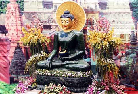 giant-jade-buddha-to-visit-quang-binh