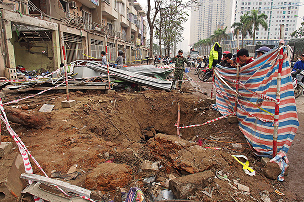 aftermath-of-hanoi-blast-1