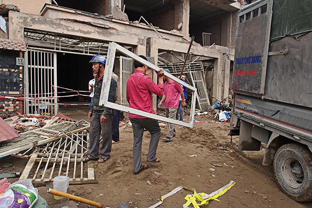 aftermath-of-hanoi-blast-2