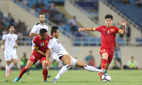 In the first leg match at My Dinh Stadium, Vietnam almost shock the former champion Asia. Photo: Duc Dong