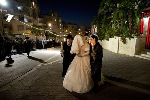Israel's 'chained women' fight for right to divorce