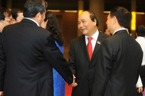 prime-minister-nguyen-xuan-phucs-first-day-in-office-9