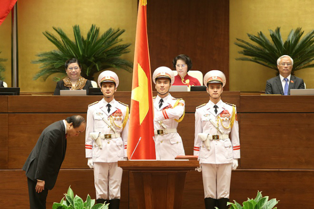 prime-minister-nguyen-xuan-phucs-first-day-in-office-2