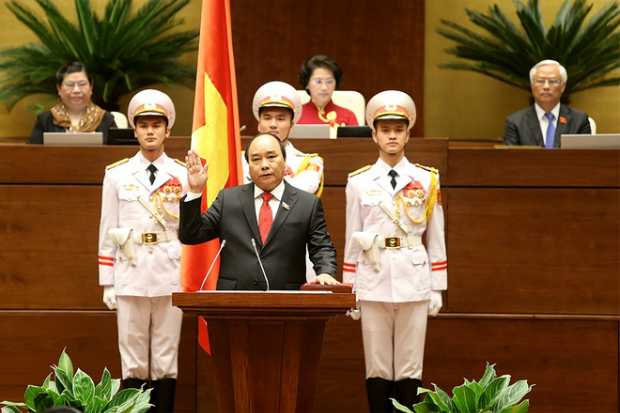prime-minister-nguyen-xuan-phucs-first-day-in-office-3