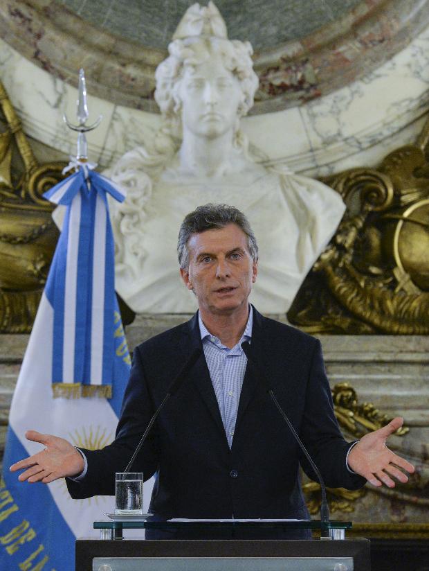 cameron-argentinas-macri-caught-in-panama-papers-swirl-1