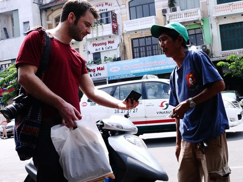 nha-trang-offers-reward-for-reporting-beggars