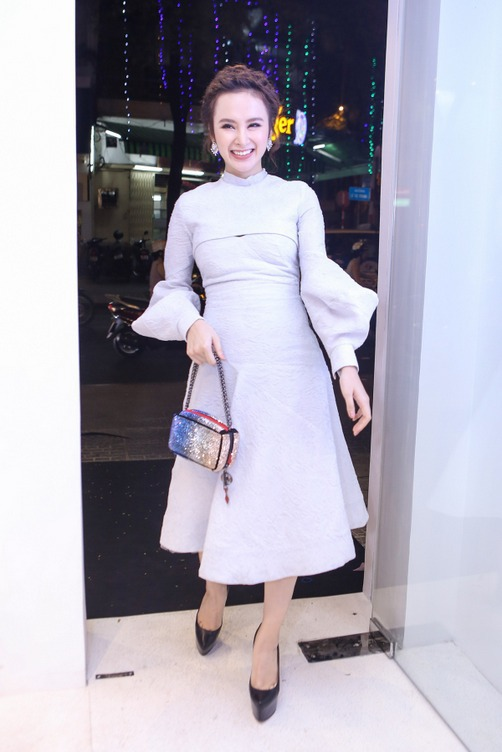 Actress Angela Phuong Trinh turned to designer Lam Gia Khangs pastel violet piece.