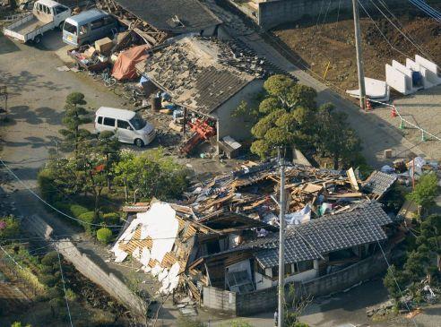 japan-plants-shut-down-after-quake-fuels-economic-fears