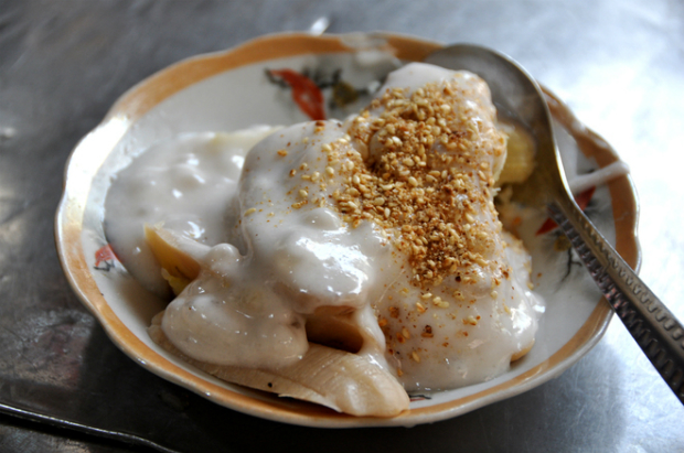 Che chuoi is banana paired with sesame, palm sugar and coconut.