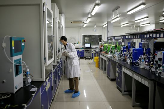 in-chinas-tougher-drug-market-minnows-open-back-door-for-big-pharma-1