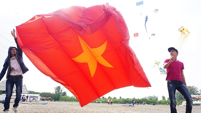 spectacular-kite-festival-takes-flight-in-hanoi-7