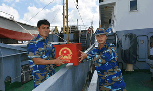 Vietnam to help East Sea soldiers, workers register their votes