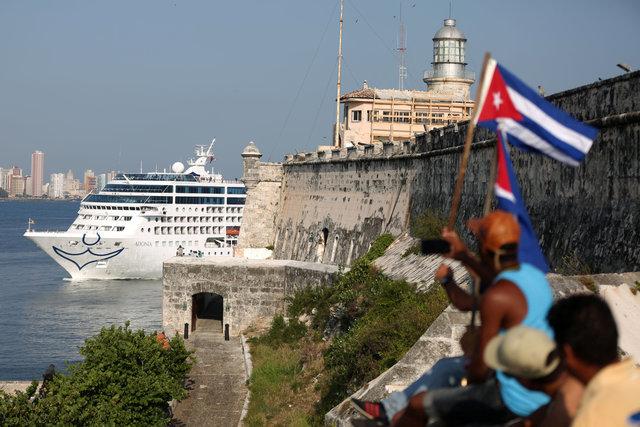 Emotional return as first U.S. cruise in decades reaches Cuba