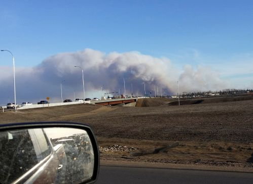 wildfire-incanadas-fort-macforces-thousands-to-flee