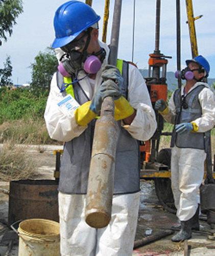 Dioxin cleanup half- finished at Da Nang International Airport