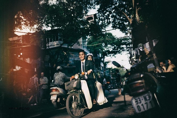 wedding-photos-take-you-back-to-1960s-hanoi-3
