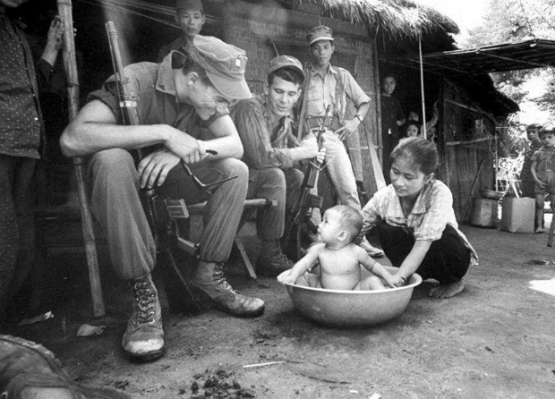 the-american-vietnam-war-compassion-between-bloodshed-and-bombs-15