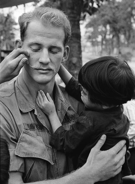 the-american-vietnam-war-compassion-between-bloodshed-and-bombs-13