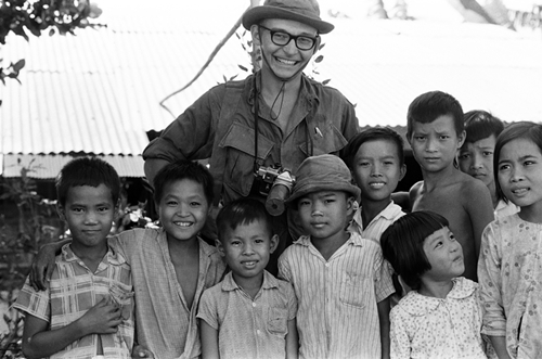 the-american-vietnam-war-compassion-between-bloodshed-and-bombs-11