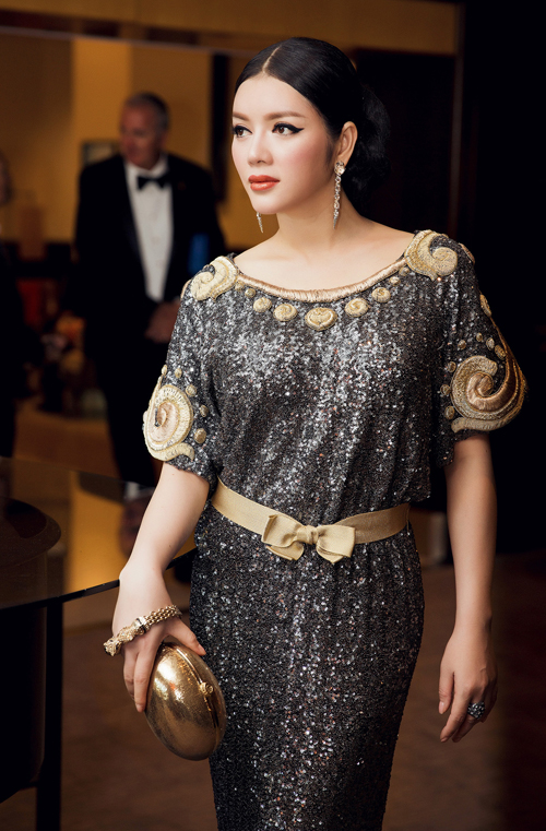 vietnamese-beauty-shows-up-in-high-fashion-attire-at-cannes-2016-7