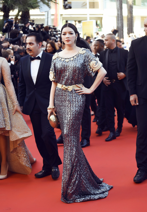 vietnamese-beauty-shows-up-in-high-fashion-attire-at-cannes-2016-6