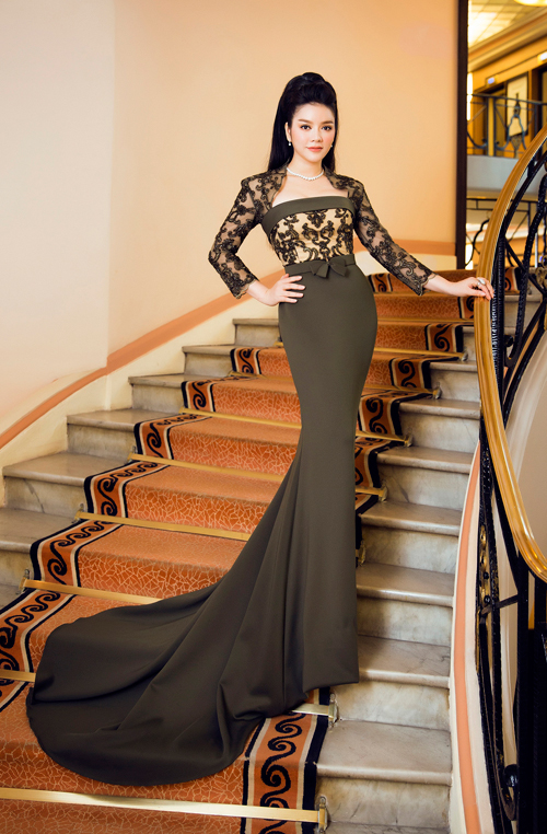 vietnamese-beauty-shows-up-in-high-fashion-attire-at-cannes-2016