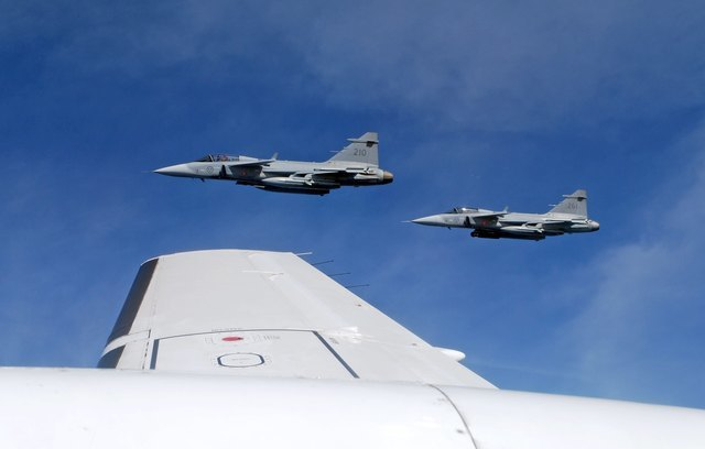 "China's intercept of U.S. aircraft on Vietnam's East Sea ""dangerous"""