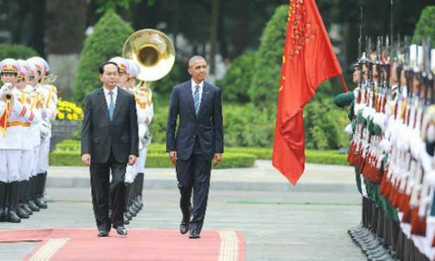 obama-welcomed-at-presidential-palace-1