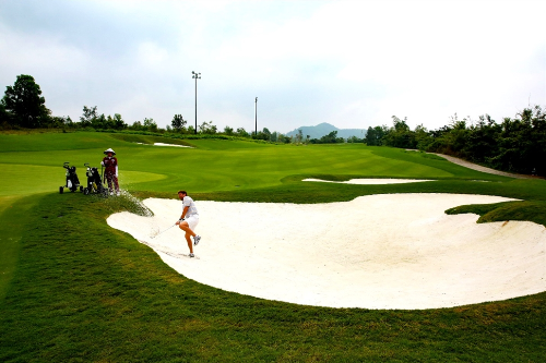 luke-donald-designed-golf-course-swings-into-action-at-ba-na-hills-1