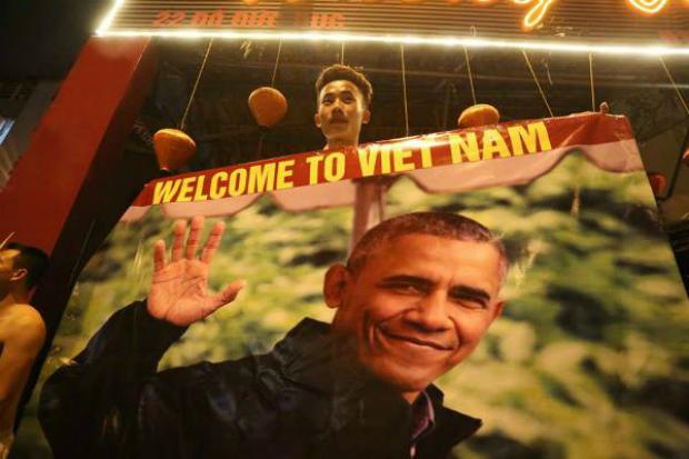 obama-fever-hanoi-saigon-styles-2
