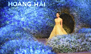 Flower Language: The fashion show that speaks in flower