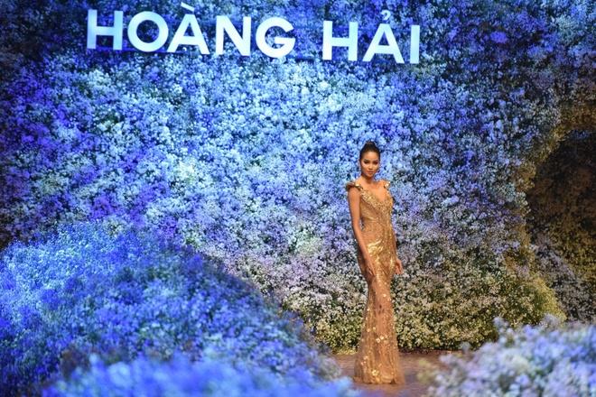 flower-language-the-fashion-show-that-speaks-in-flower