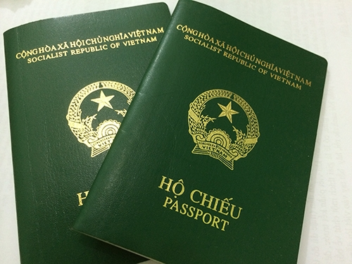 skorea-summons-vietnamese-embassy-worker-for-selling-passport-copies