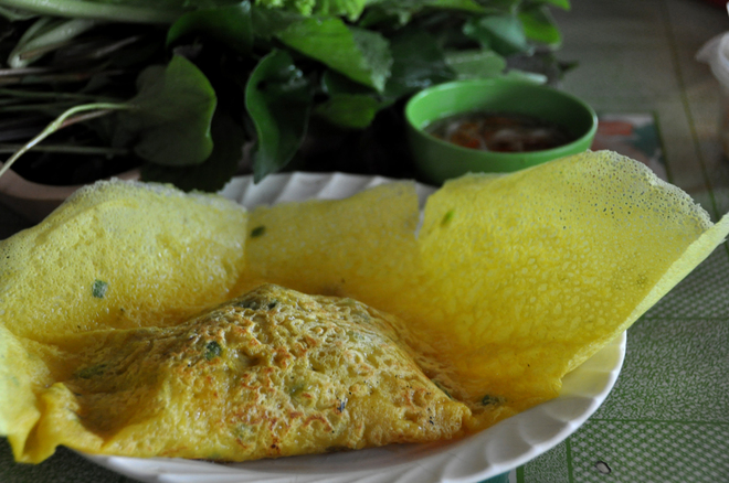 vietnamese-crepe-lovely-to-see-and-crunchy-to-eat-5