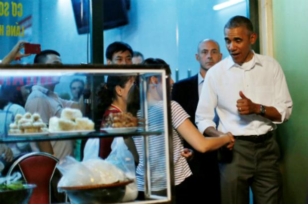 an-obama-portion-please-the-bun-cha-craze-in-hanoi-1
