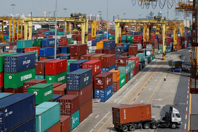 Vietnam to weigh up containers headed for foreign waters