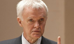 Bob Kerrey speaks out after Vietnamese anger at his role in Fulbright University