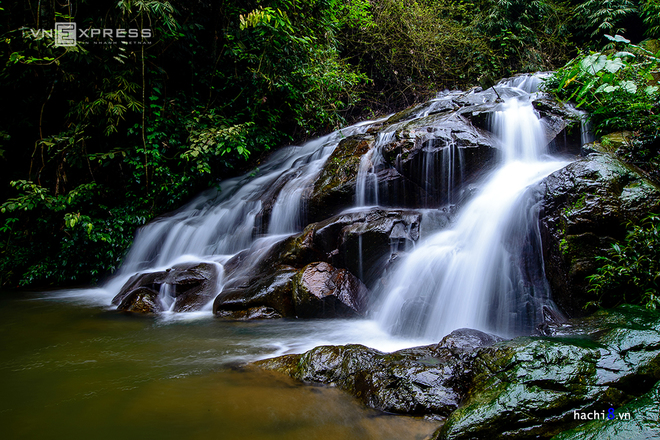 chasing-waterfalls-on-the-outskirts-of-hanoi-2
