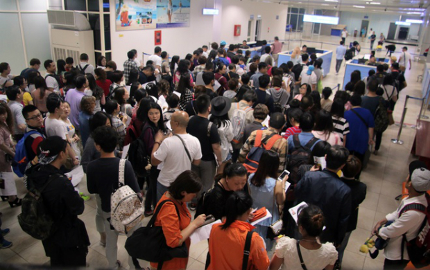 cam-ranh-airport-overloaded-with-chinese-tourists-ed
