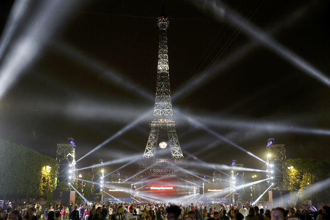 Eiffel Tower at night. Photo by Reuters/Gonzalo Fuentes