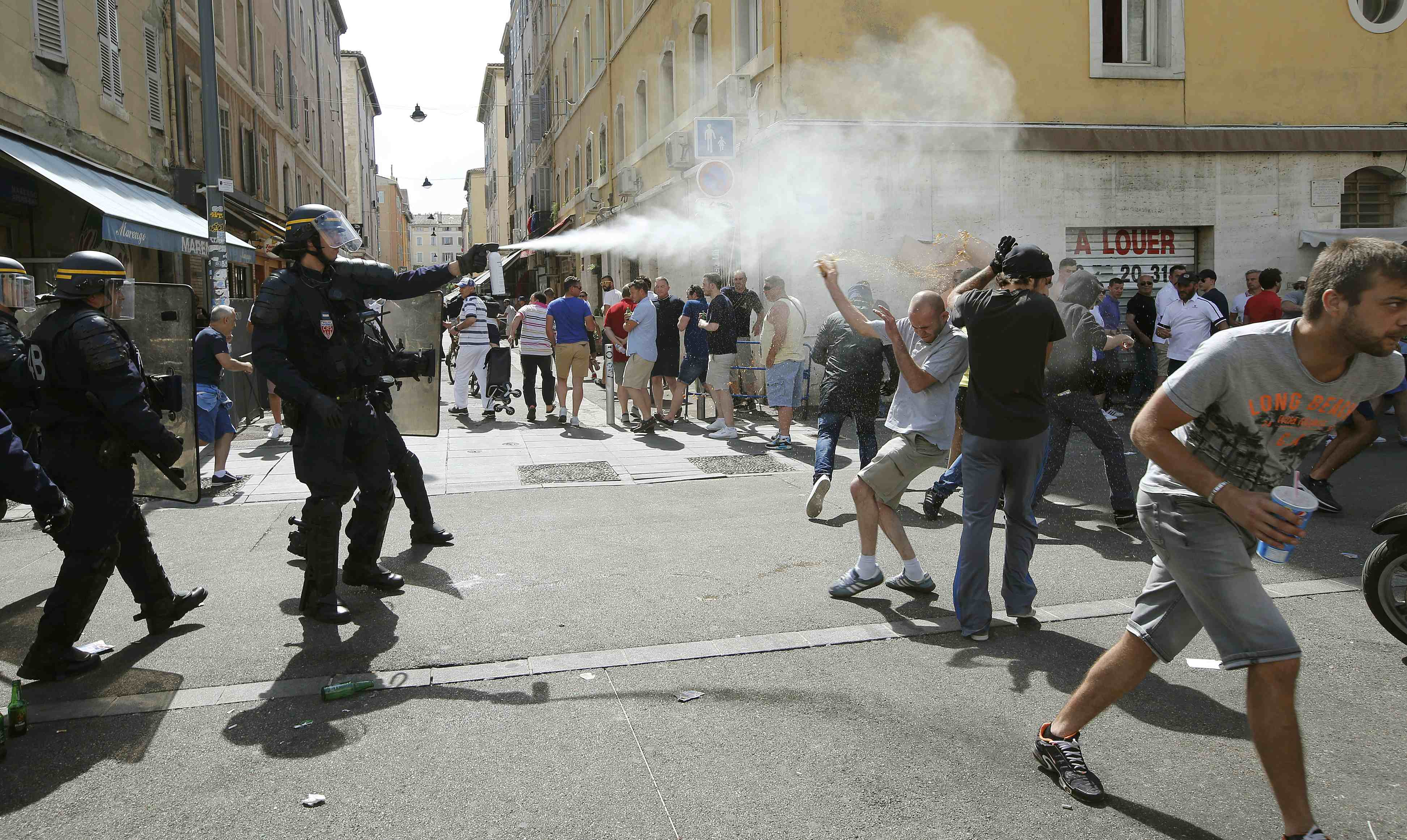 Clashes erupt in Marseille ahead of Euro England-Russia match