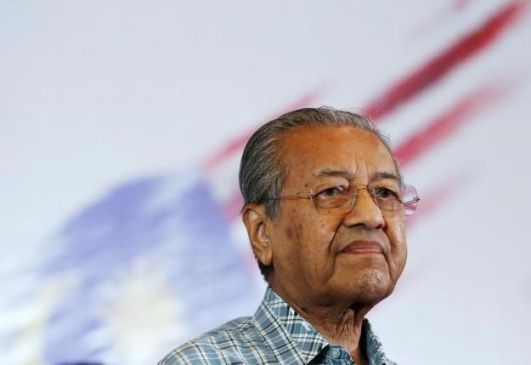 mahathir-hounds-scandal-ridden-malaysian-pm-in-by-election-campaign
