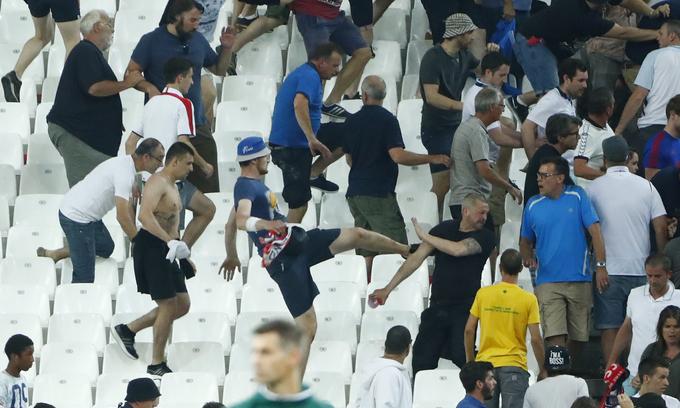 France backs UEFA warning to England, Russia, plans alcohol ban