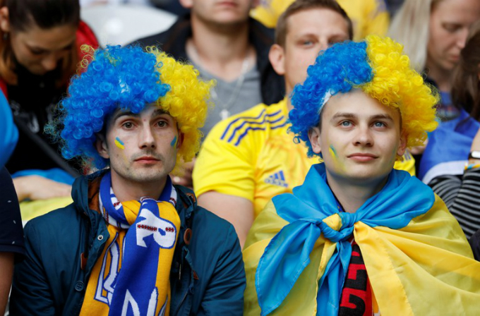 Ukraine fans. Photo by Reuters/Pascal Rossignol Livepic