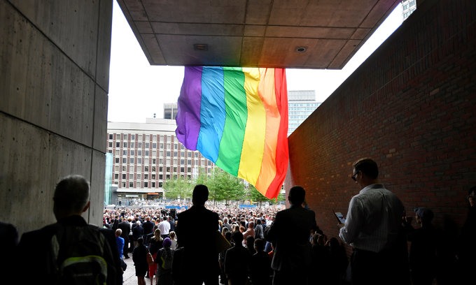 """Orlando """"moment of silence"""" disrupted over tighter gun policy debate"""